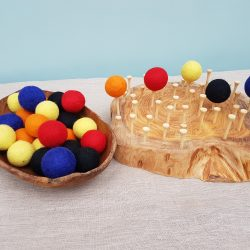 Finger Gym – Balance wool balls on golf tees