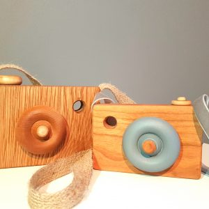 Solid wood camera, wooden toy camera, toy camera, pretend camera