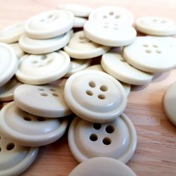 Buttons – Large, 30 pieces
